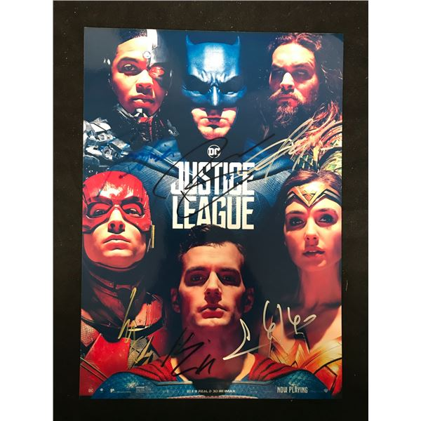 JUSTICE LEAGUE SIGNED PHOTO (REAL AUTHENTIC COA)