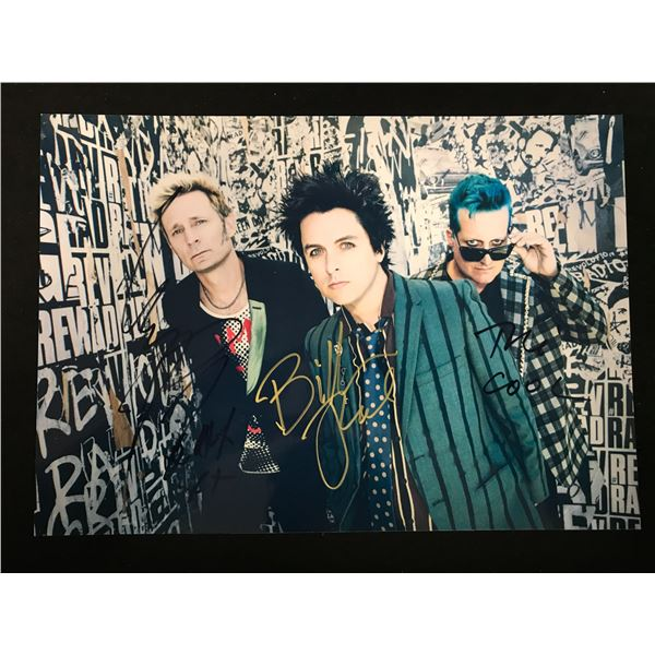 GREEN DAY BAND SIGNED PHOTO (REAL AUTHENTIC COA)