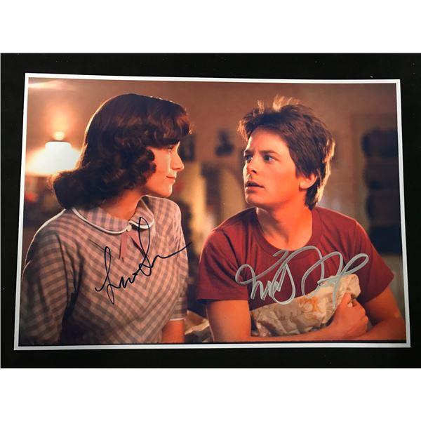 MICHAEL J. FOX & LEAH THOMPSON SIGNED PHOTO (REAL AUTHENTIC COA)