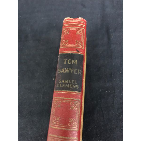 "TOM SAWYER ""THE ADVENTURES OF TOM SAWYER"" (SAMUEL CLEMENS)"