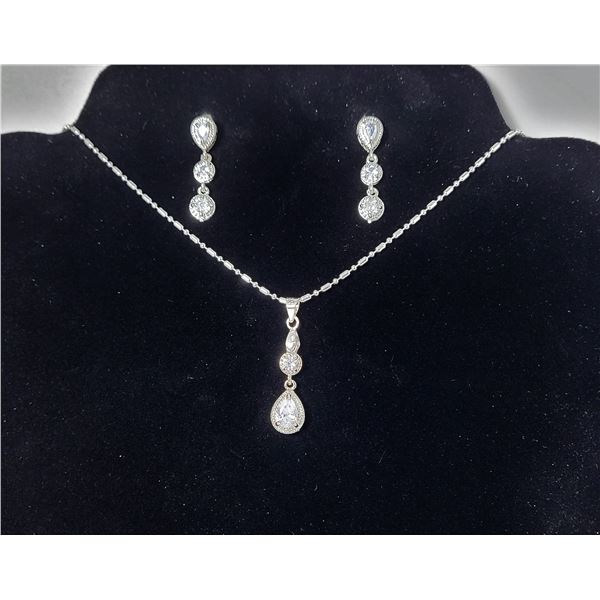 """12)  SILVER TONE ANDCLEAR RHINESTONE PENDANT ON 20"""" BAR AND BEAD CHAIN AND MATCHING DROP EARRINGS ON"""