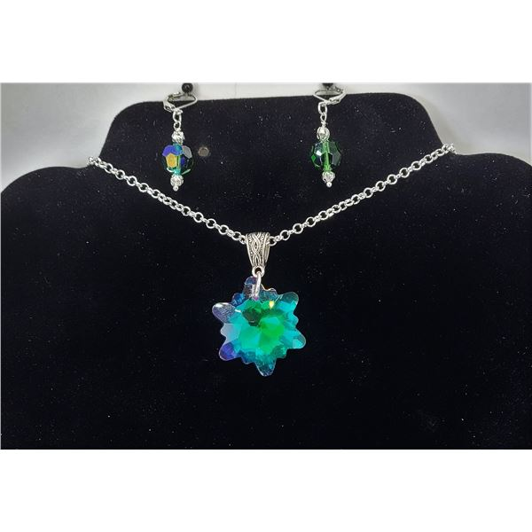 """13) BLUE/GREEN RAINBOW TITANIUM SNOWFLAKE PENDANT ON 18"""" CHAIN AND COORDINATING DROP EARRINGS ON LEV"""