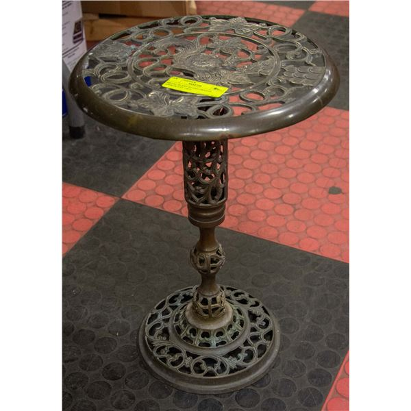 METAL PLANT STAND  APPROX. 2' FT TALL