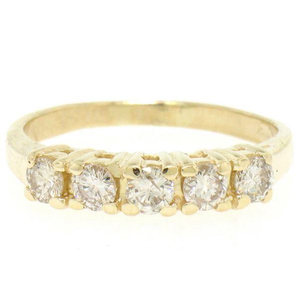 Classic 14kt Yellow Gold 0.75 ctw Diamond Wedding Band