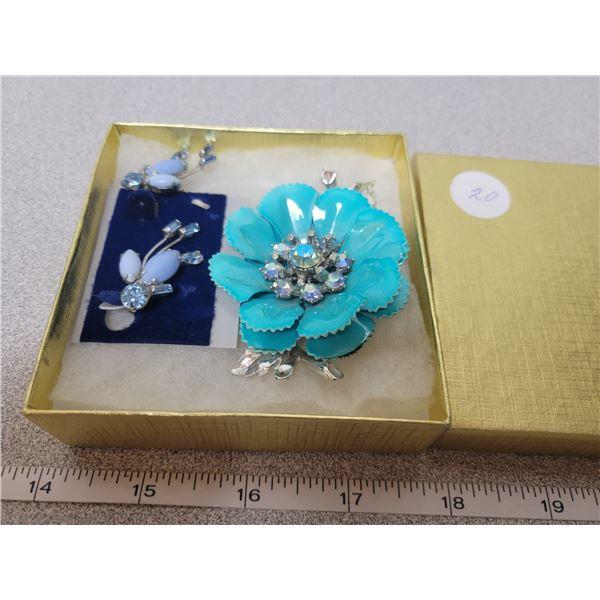 Vintage ladies brooch & earrings