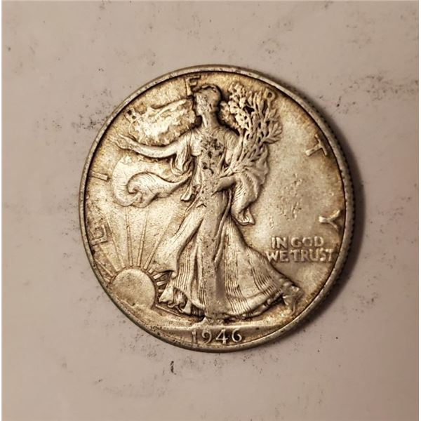 1946 Walking Liberty US 90% silver half dollar