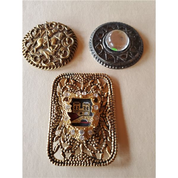 3 vintage pins/brooches - ornate