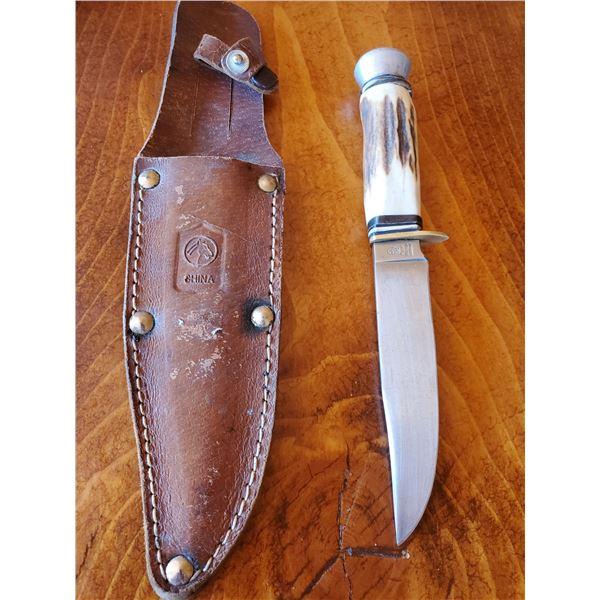 Vintage hunting knife & sheath