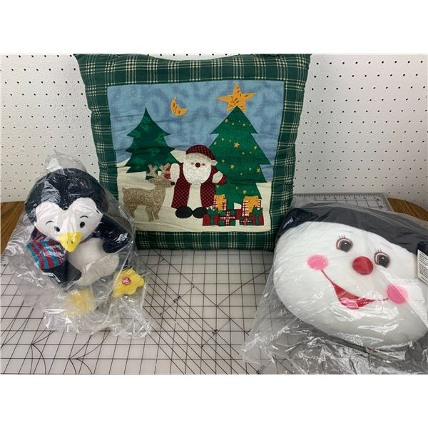 PILLOW AND PLUSH CHRISTMAS RELATED