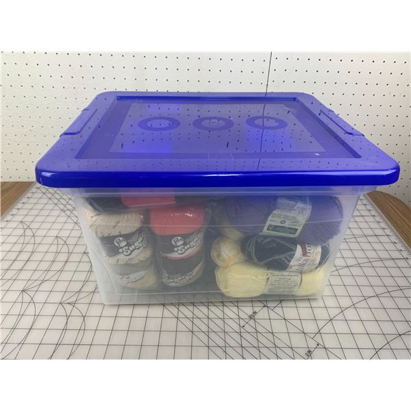 CLEAR TOTE OF YARN