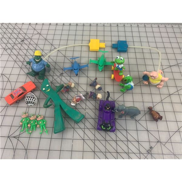 LOT OF VINTAGE TOYS GUMBY DINOSAURS ETC