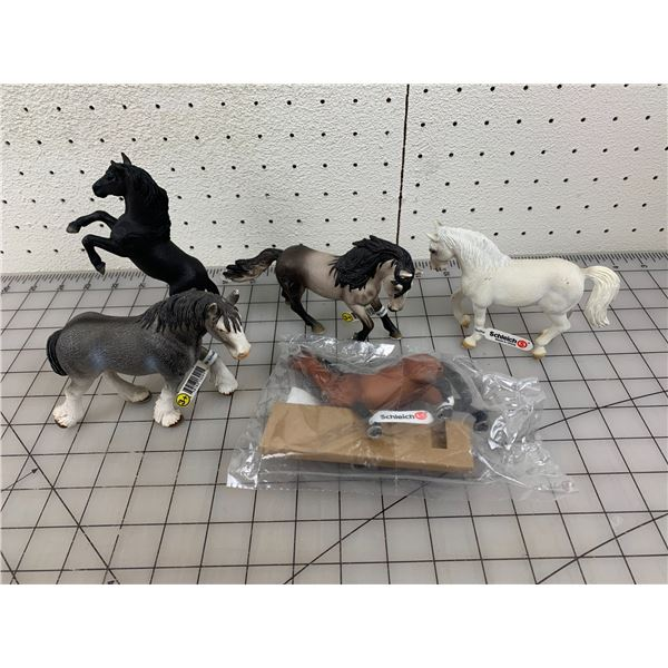 LOT OF SCHLEICH TOY HORSES NOS