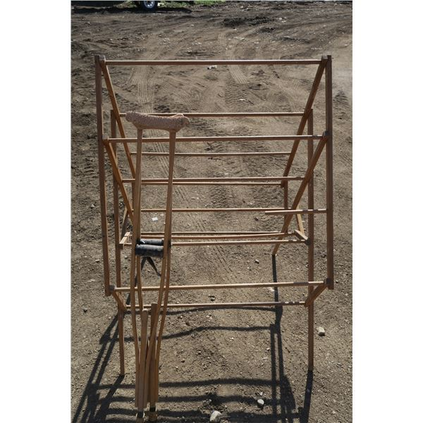 Drying Stand + Crutches