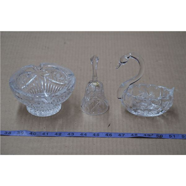 Crystal Misc. Set (Swan Has Chipped Tail, Bell missing Piece)