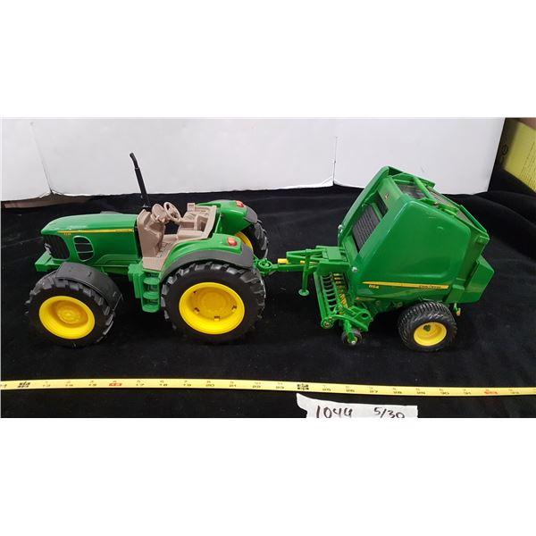 John Deere Toy Tractor & Bailer
