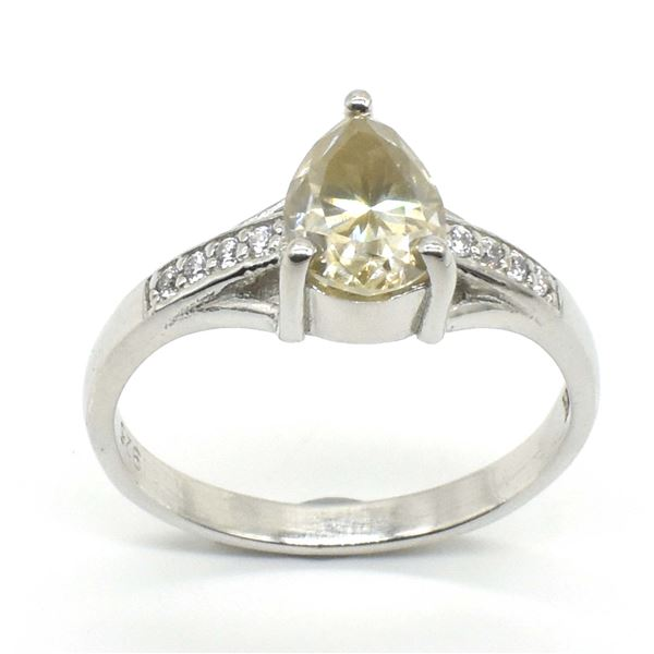 SILVER MOISSANITE PEAR SHAPE(1.2CT) RHODIUM PLATED