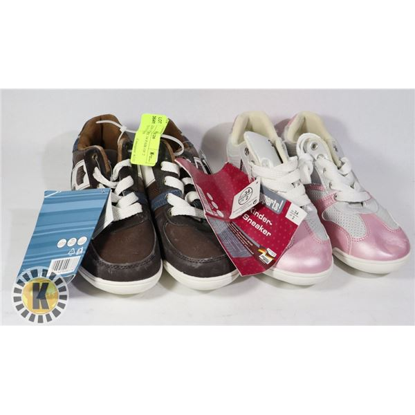 SHOES KIDS US SIZE 34 PAIR OF 2 ASSORTED COLORS