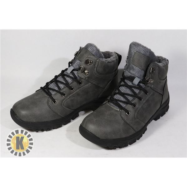 WINTER BOOTS  MEN'S APPROX. SIZE 9-10