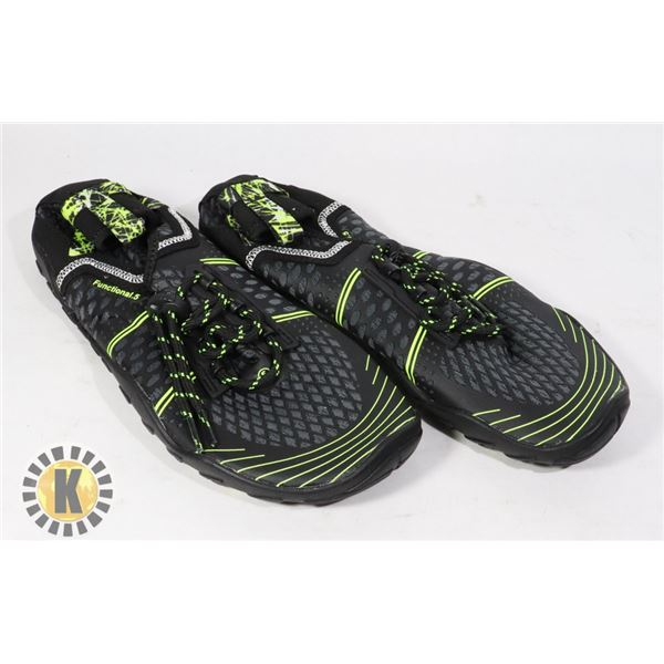 WATER SHOES SIZE 39