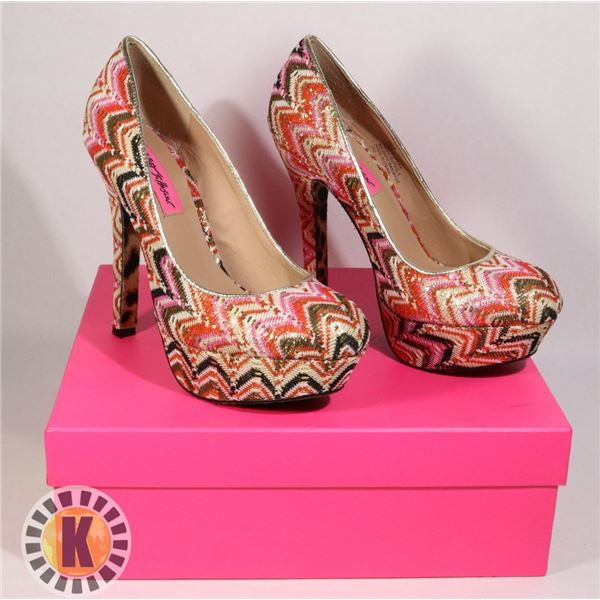 BETSEY JOHNSON SHOES SIZE 7.5 NEW IN BOX