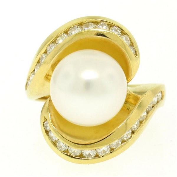 Large 18k Yellow Gold 10.6mm Round White Pearl Solitaire & Diamond Cocktail Ring