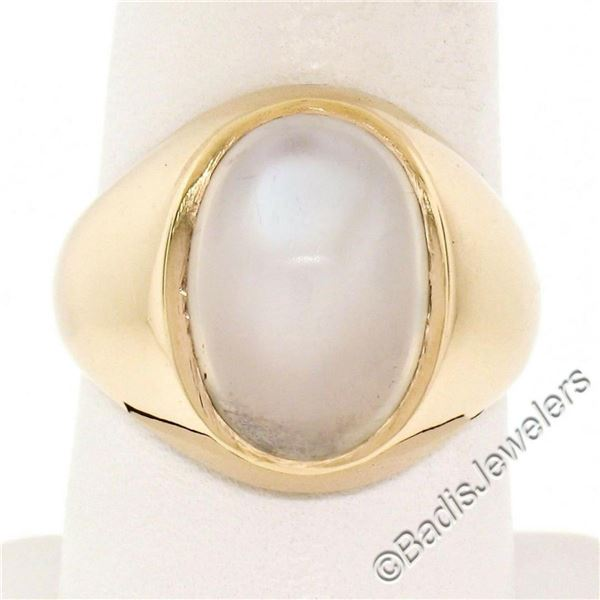 Men's Large Polished 14kt Yellow Gold Oval Cabochon Blue Moonstone Solitaire Rin