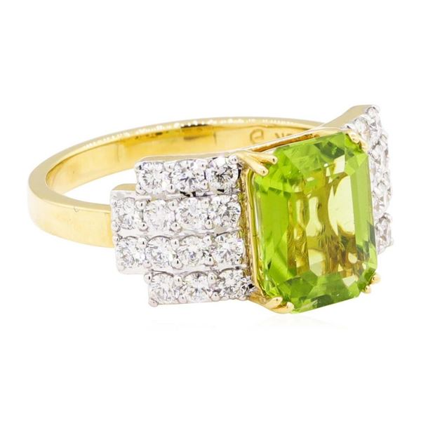3.49 ctw Emerald Cut Step Peridot And Round Brilliant Cut Diamond Ring - 18KT Ye