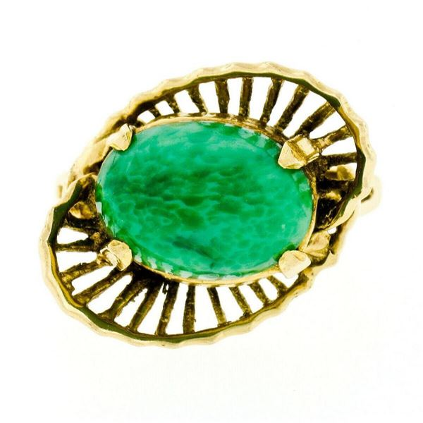 Vintage Handmade 18kt Yellow Gold Oval Jade Solitaire Ring