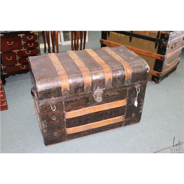 Metal wrapped oak bound steamer trunk