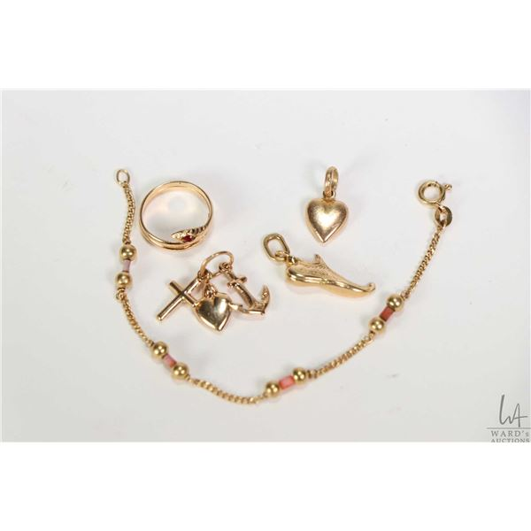 """Selection of 18kt gold jewellery including 5"""" necklace extender set with coral type and gold beads 5"""