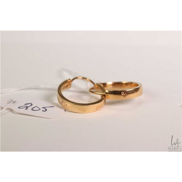 18kt yellow gold hoop earrings, gold stamp marked 750