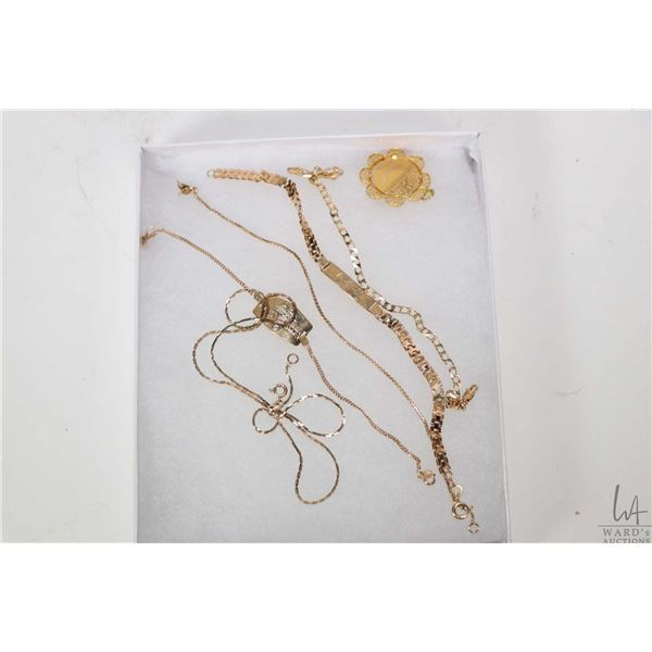 """Selection of 10kt yellow gold jewellery including 17"""" neck chain, four gold bracelets including a me"""