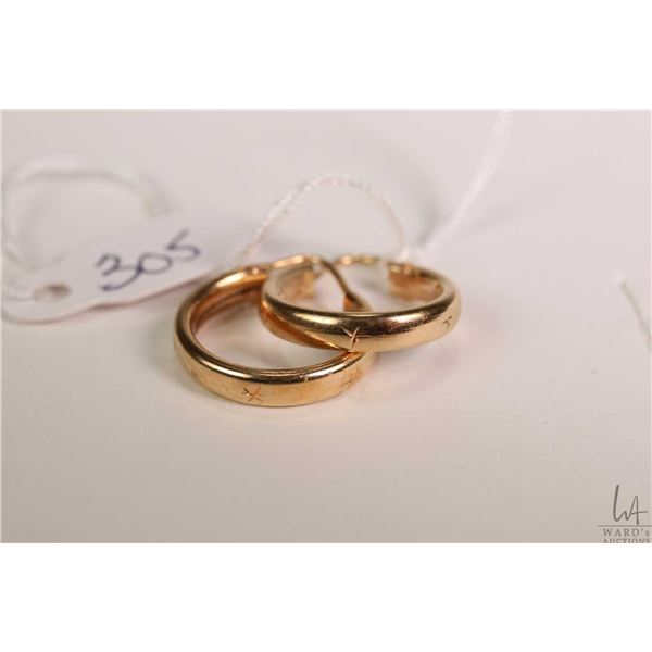 18kt gold hoop earrings, gold stamped mark 750