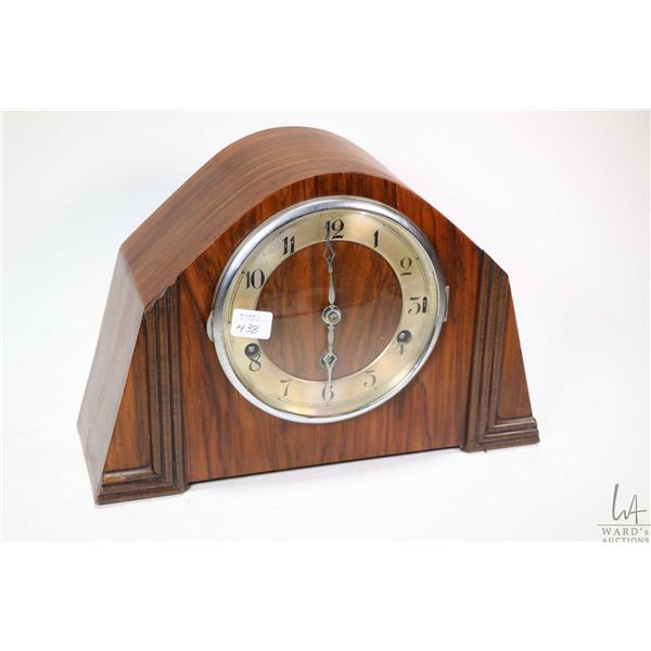 Vintage Deco style wooden chiming mantle clock, working at time of cataloguing