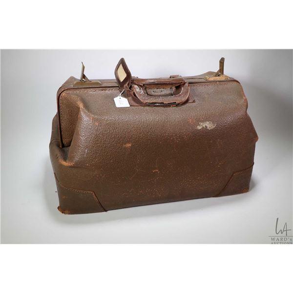 Antique Eveleigh Baggage doctor's bag