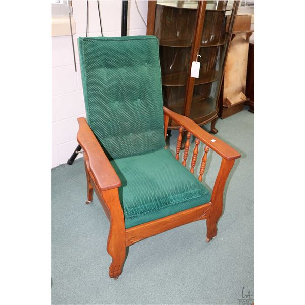 Antique oak Morris chair with adjustable back