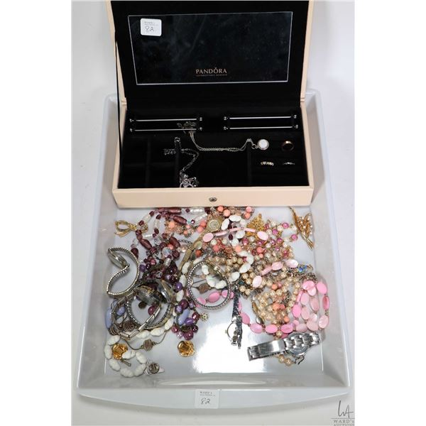 Tray lot of vintage and collectible jewellery including Pandora jewel case with genuine Pandora neck