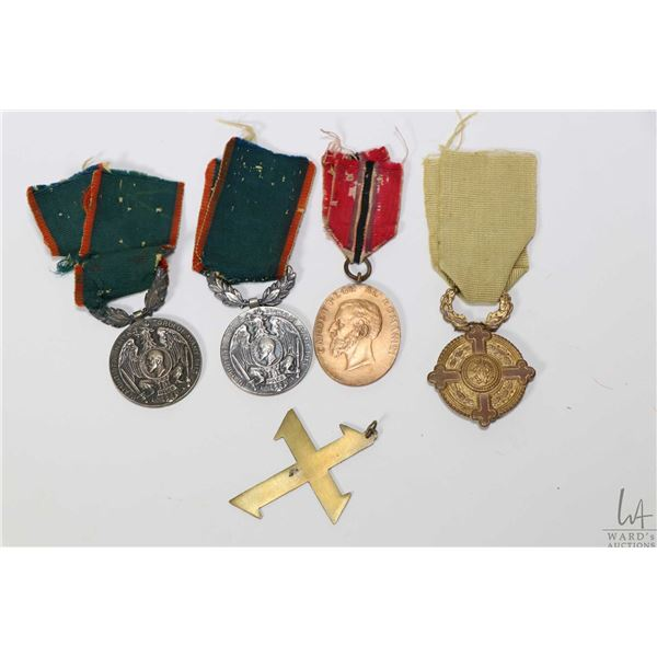 Small tray of Romanian war medals including Second Balkan War 1913 Jun-Jul ( Medal of upsurge for mi