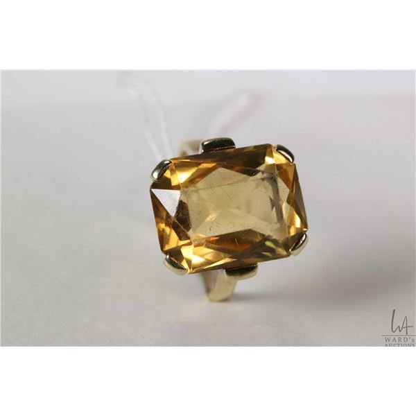 14kt yellow gold and citrine gemstone ring with European gold marking 585, size 6.5