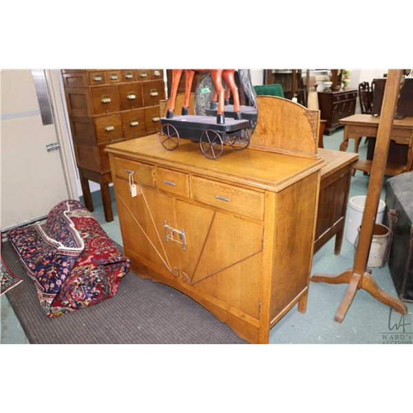 Antique Art deco quarter cut oak sideboard with mirrored back, appears to be original finish with or