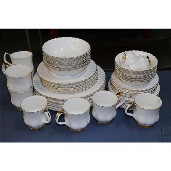 Selection of Royal Albert Val D'or bone china including settings for eight of dinner plates, side pl