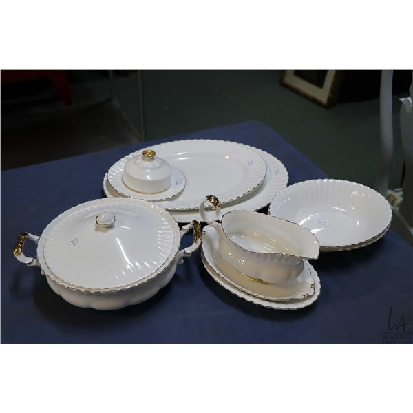 Selection of Royal Albert Val D'or bone china including lidded casserole dish, two oval open vegetab