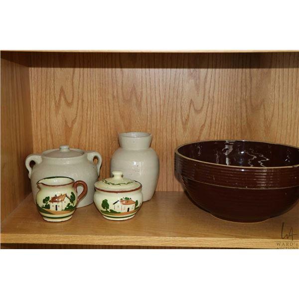 Selection of vintage crockery including lidded bean pot, large mixing bowl etc.