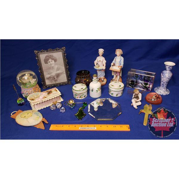 Tray Lot: Lady Vanity Décor (Incl. Jewellery Box, Minton Dresser Set, Snow Globe Ornaments, etc) See