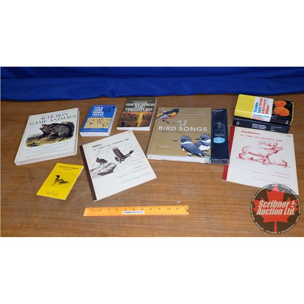Tray Lot: Field Guides & Animal Books (See Pics)