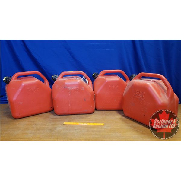 4 Jerry Cans (20L/5Gal)
