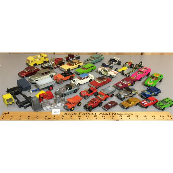 LOT OF VARIOUS TOY CARS & TRUCKS