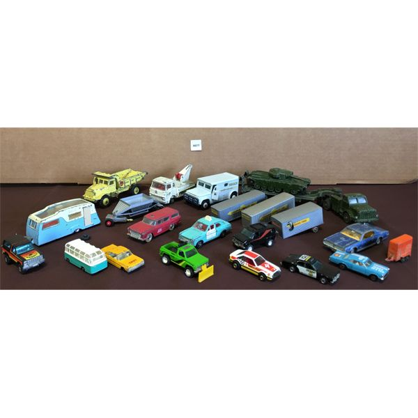LOT OF VARIOUS TOY CARS, TRUCKS & TANK ON TRAILER