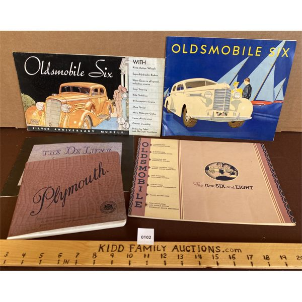 LOT OF 5 OLDSMOBILE AND PLYMOTH SALES BROCHURES