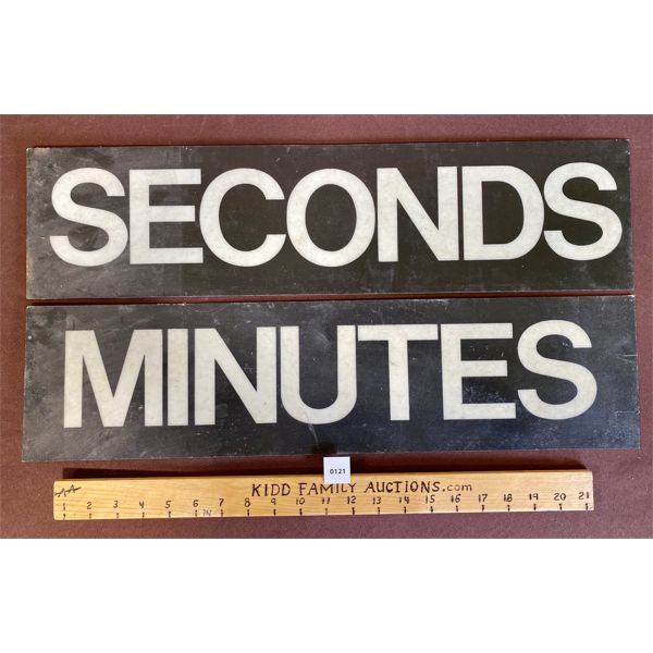 LOT OF 2 PLASTIC SECONDS/MINUTES SIGNS